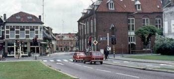 kalverstraat-richting-molenstraat-1975_1038
