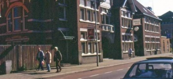 kanaalstraat-links-wegener-1993_1038