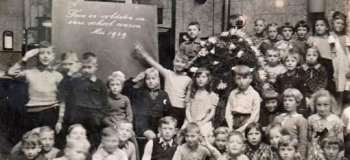 mariastraat-in-onze-school-aawaren-soldaten-ge_1038