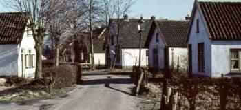 nieuwe-enkweg-nu-aquamarijnweg-oost-richt-1961_1038
