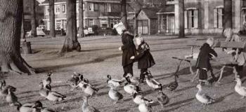 oranjepark-1954-eendjes-voeren_1038