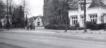 loolaan-met-rechts-de-piet-joubertstraat-1960-_1920