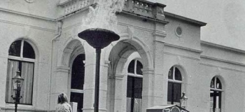 raadhuisplein-april-1945