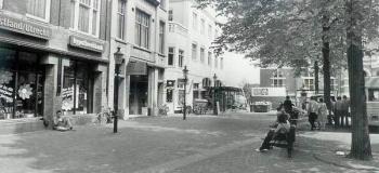raadhuisplein-met-bomen_1038